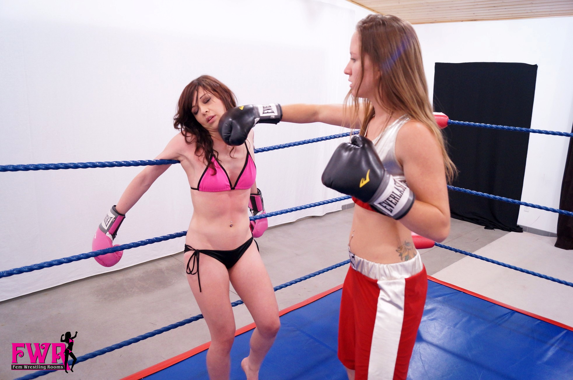 Charlie's Boxing Experience: Part Two - Fem Wrestling Rooms