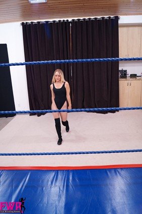 Three rounds of wrestling round one fem wrestling rooms
