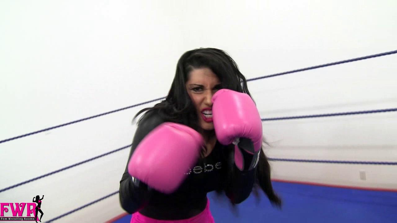 Disgruntled Housewife Fem Wrestling Rooms