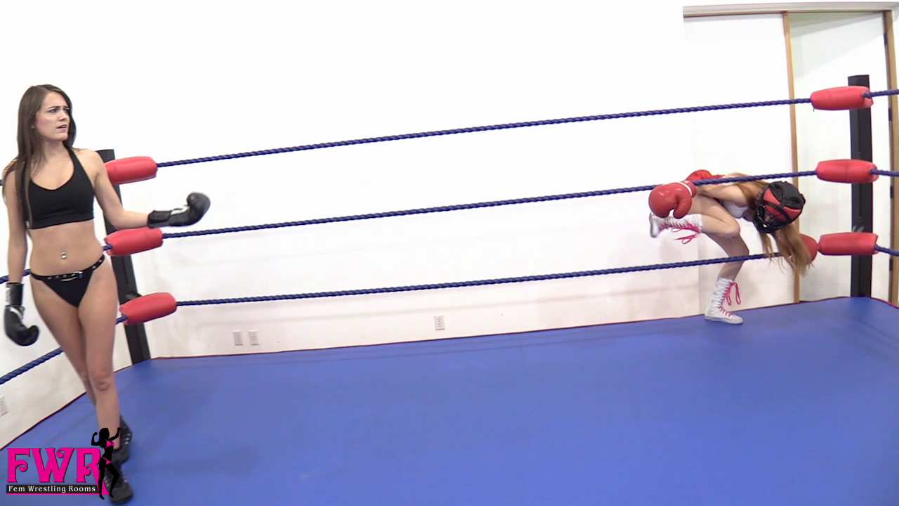 Jackie Meets Peyton in the Boxing Ring - 01